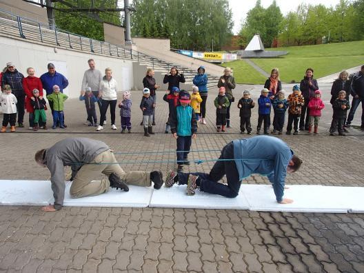 Jaanimängud ja kombed lasteaia lõpupeol, Tartu Laululaval 27.05.2015